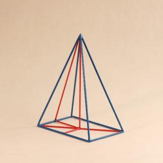 Pyramide mit rechteckiger Grundfläche