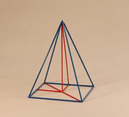 Pyramide mit quadratischer Basis